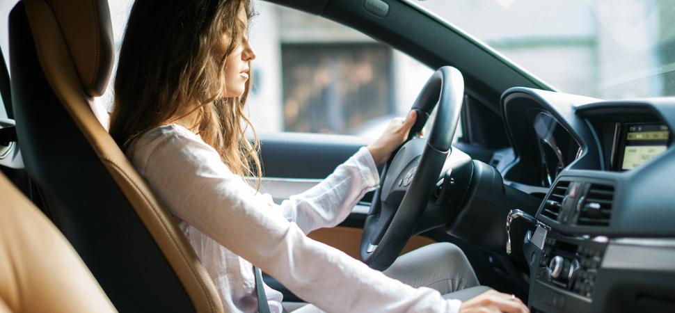 Algunos datos que desmontan tópicos sobre la conducción femenina