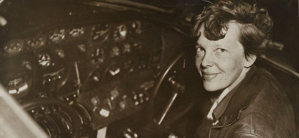 ¿Es Amelia Earhart la nueva Elvis?