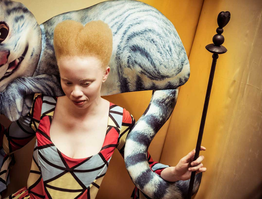 La modelo Thando Hopa es Alicia