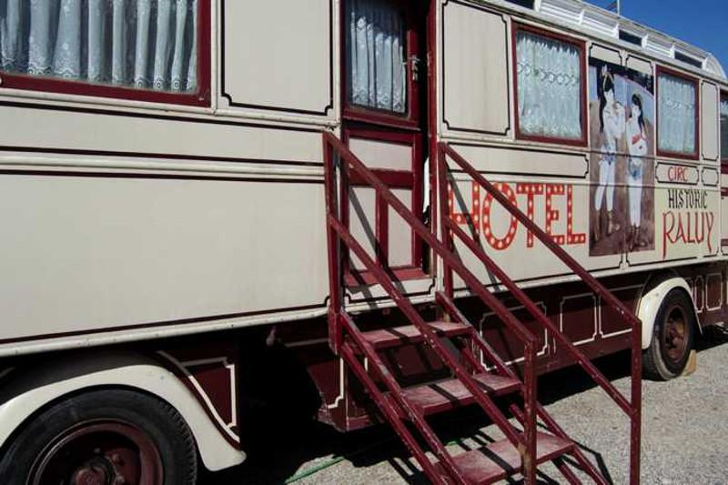 Hotel carruaje Raluy