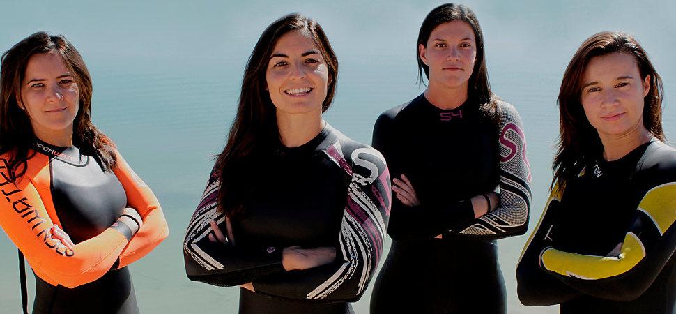 Estas cuatro amigas nadarán de Ibiza a Formentera para ayudar al rescate de refugiados en el Mediterráneo