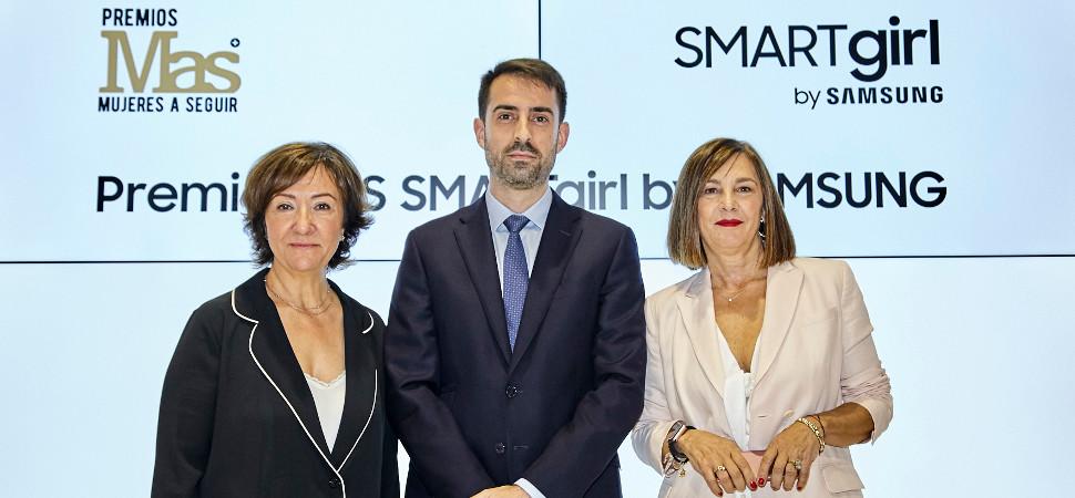 De izquierda a derecha, Esther Valdivia (MAS), Alfonso Fernández (Samsung) y Charo Izquierdo (MBFWM)