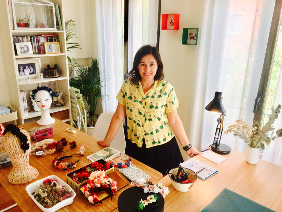 Ana Do Carmo ha convertido sus tocados en un floreciente negocio