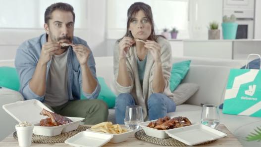 Un 22% de los encuestados reconocer haber comenzado a pedir online comida a domicilio (Imagen: Deliveroo)