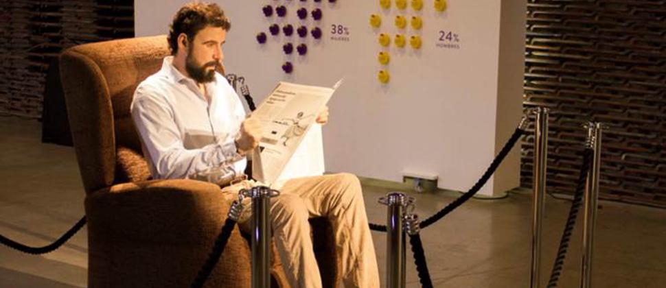 Mandemos al 'Hombre sentado en el sofá' al museo