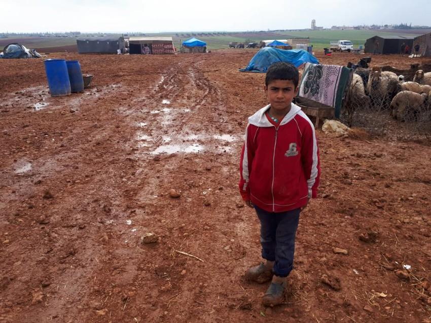 Un niño en un campamento en la ciudad de Idlib, situadada al noroeste del país