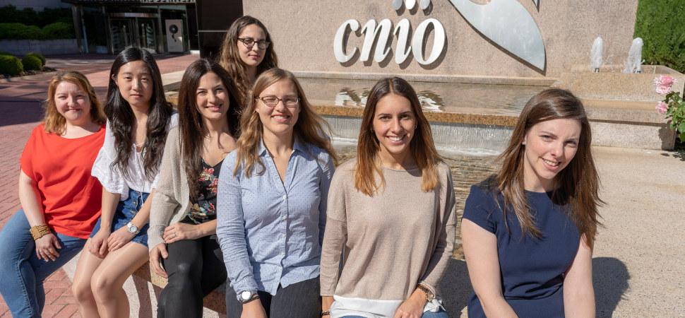 Estas científicas españolas han conseguido alargar la vida de los pacientes con metástasis cerebral