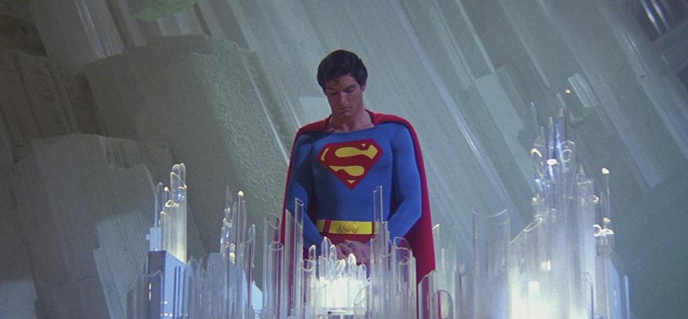 De 'Superman' a 'Carmen', los diseños más icónicos de Yvonne Blake