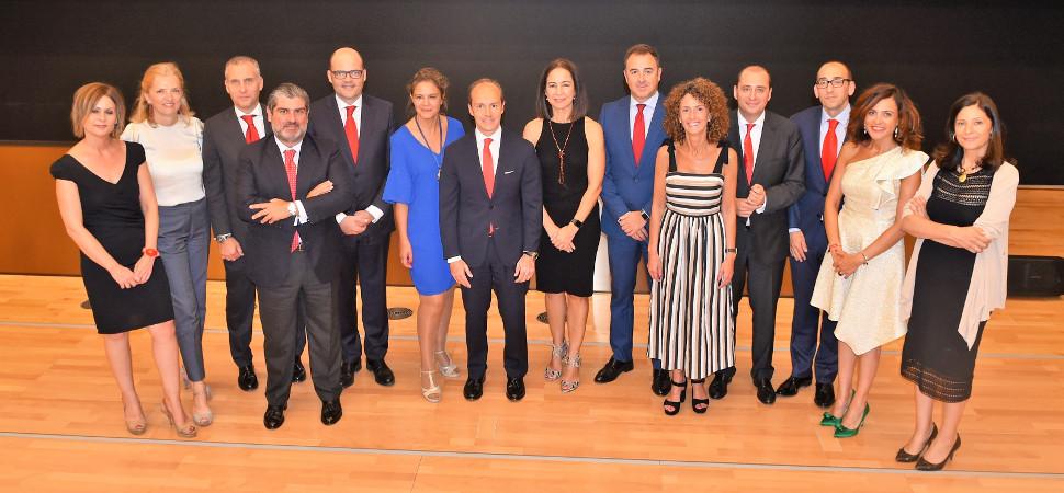 Santander forma un equipo con más mujeres que hombres