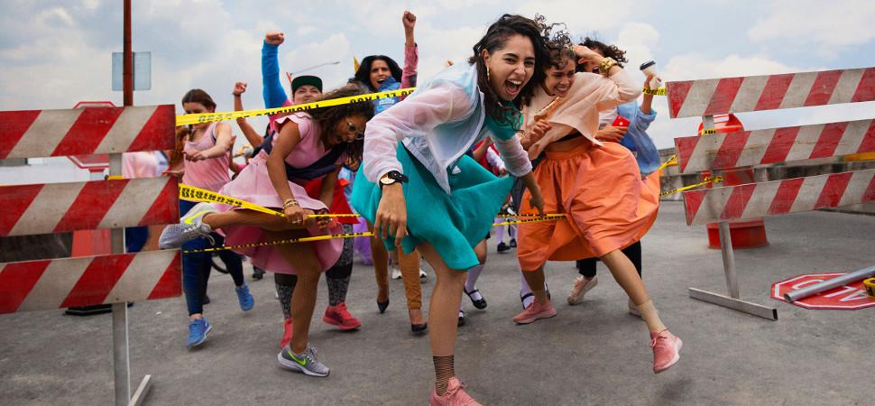 La campaña feminista de Nike que apoya la lucha de las mujeres en América Latina