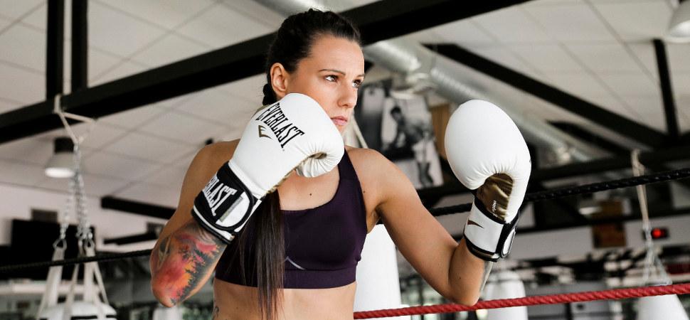 Joana Pastrana pelea como una chica